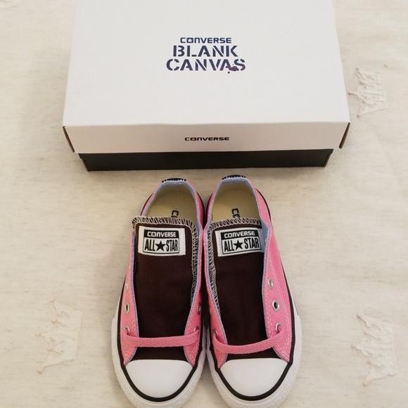 a202441e477a Girls custom Converse